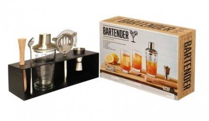 Dernières parutions sur Cocktails, Coffret Bartender, Le kit du parfait mixologiste pour des cocktails made in U.S.A.. Le livre avec 1 pilon en bois, 1 cuillère, 1 doseur, 1 mélangeur, 1 shaker en verre et acier