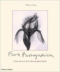 Souvent acheté avec 180 fossiles du monde entier, le Flora photographica