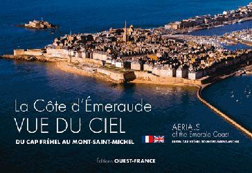 Souvent acheté avec Plongée plaisir Niveau 3, le La Côte d'Emeraude vue du ciel - Du Cap Fréhel au Mont Saint-Michel