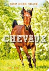 La couverture et les autres extraits de Le Petit Larousse du Cheval et du Poney