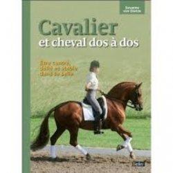 Cavalier et cheval dos à dos