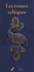La couverture et les autres extraits de Tous les serpents du monde