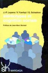 La couverture et les autres extraits de Jardiner avec la lune en biodynamie