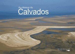 Au-dessus du Calvados - des falaises - 9782848111377 -