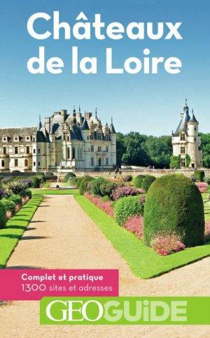 Châteaux de la Loire - gallimard editions - 9782742449767 -
