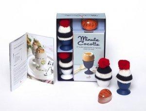 Minute cocotte : 20 recettes gourmandes et originales autour des oeufs. Coffret avec 1 minute cocotte, 2 coquetiers et leur bonnet à pompon - Hachette - 9782013964357 -